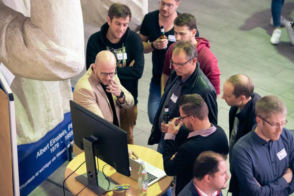 Niklas durfte den Besuchern der Future & Beer über das Gründen und die Herausforderungen berichten.