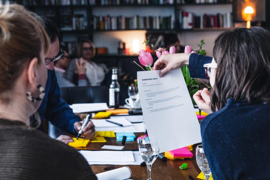 Mitarbeit ist nicht nur in der Schule gern gesehen, sondern auch bei uns im Workshop.