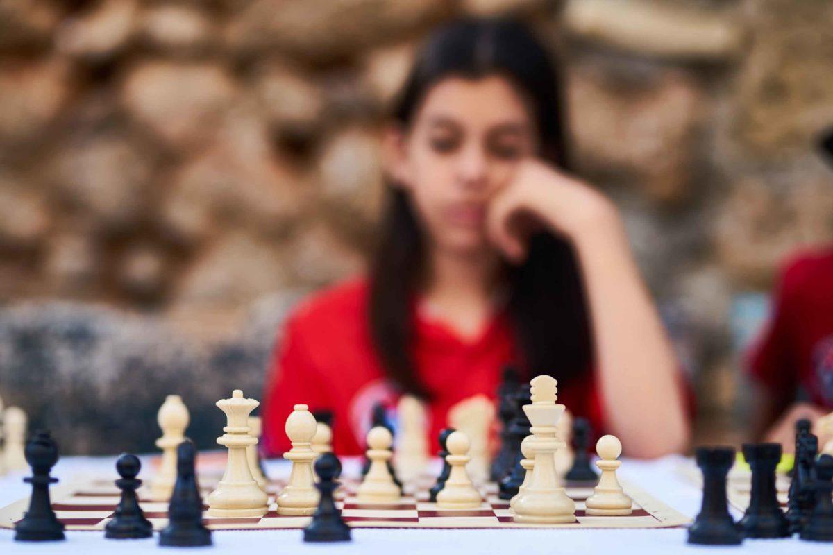 Weg von langsamen Entscheidungsprozessen und hin zu agiler Organisationsstruktur.