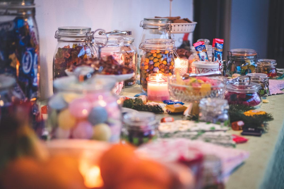 Unter anderem gab es eine Candy-Bar beim Hackathon, die den Teilnehmern leckere Nervennahrung bot.